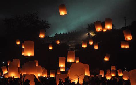 festival lampion  cantik  indonesia