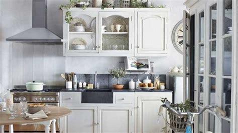 cuisine rustique blanche le bois chez vous