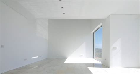 white modern bedrooms do you what it takes to complete 39 the boring room
