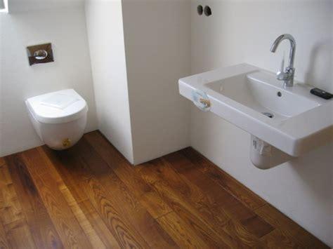 Holzboden Im Badezimmer by Holz O Holzdielen Im Badezimmer 171 Bodenblog
