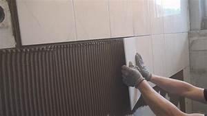 Fliesen An Wand : fliesen legen eine wand halbhoch verfliesen anleitung ~ Michelbontemps.com Haus und Dekorationen