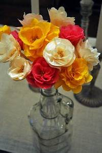 diy wedding day flower wall couronnes activite et fleur With kitchen cabinets lowes with pompon papier soie