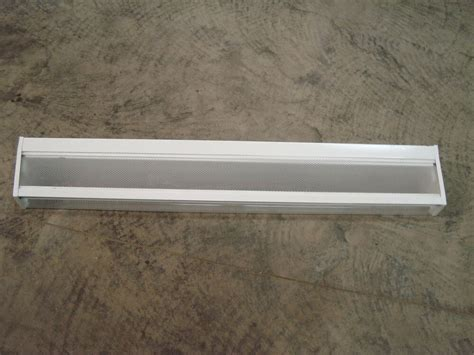 Fluorescent Bathroom Lighting Fixtures by Williams Fluorescent Bathroom Light Fixture Ebay
