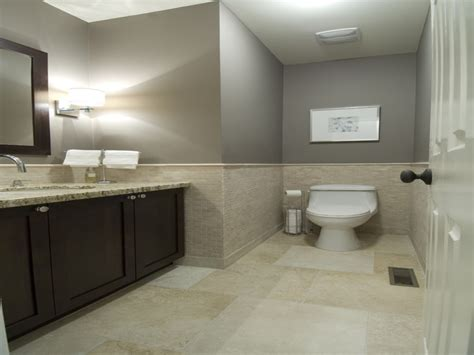 What Size Tiles For A Small Bathroom by Paint Colors For Bathrooms With Beige Tile Small Bathroom