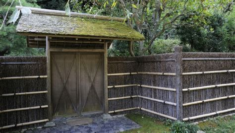 desain pagar bambu  membuatmu merasa   china