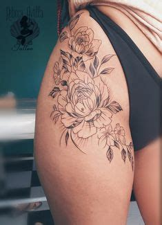 black chandelier flower hip tattoo ideen realistische