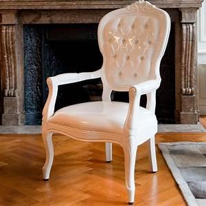Fauteuil Voltaire Moderne : fauteuil voltaire blanc pieter jamart fauteuil design ~ Teatrodelosmanantiales.com Idées de Décoration