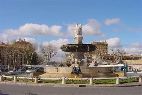 fontaine de la rotonde aix en provence