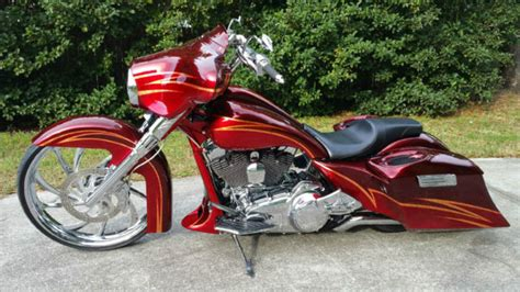 2011 Harley Davidson Touring Custom Big Wheel Bagger No