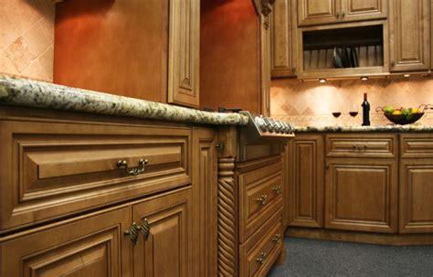 cinnamon glaze kitchen cabinets the kitchen choose cinnamon maple glaze cabinets 5423