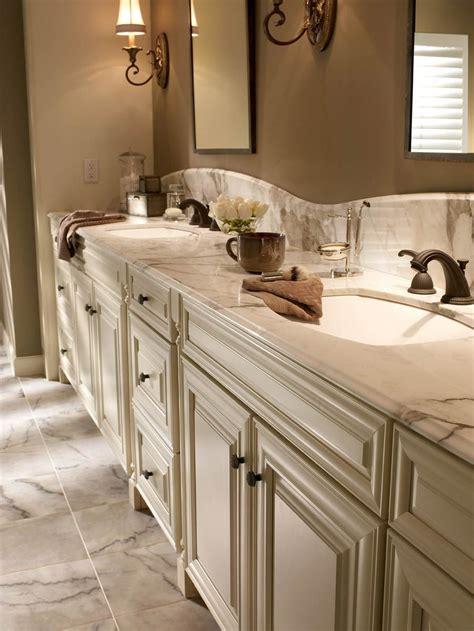 waypoint living spaces style   maple cream glaze
