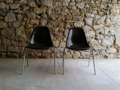 plastic side chair and charles eames herrman miller