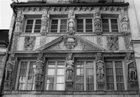 file dijon maison des cariatides 2 jpg wikimedia commons