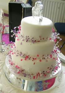 wedding pictures wedding photos wedding cake decorating With how to decorate a wedding cake