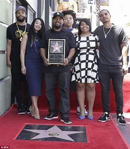 Ice Cube yegukanye igihembo cya 'Hollywood Walk of Fame ...