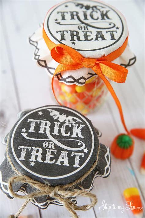 trick  treat jar covers skip   lou