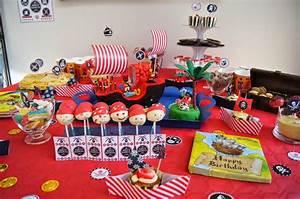 Deco Anniversaire Pirate : pirate party la table paperblog ~ Melissatoandfro.com Idées de Décoration