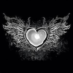 Gothic Heart With Wings - T-Shirt