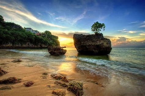 pantai suluban wisata bali