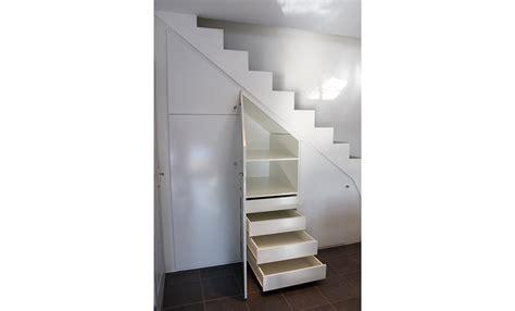au bureau chambery conception et installation de placard sous escalier à chambéry