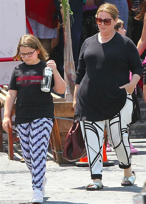 Melissa McCarthy spends the day with daughter Vivian ...
