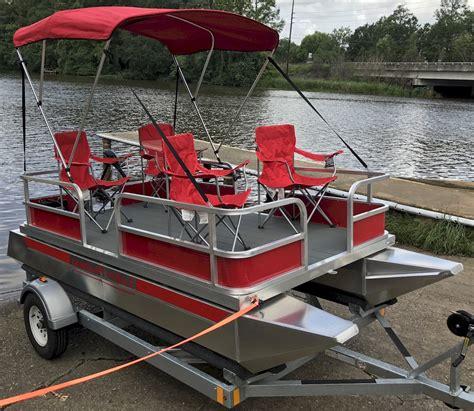 Small Lake Pontoon Boats by Pontoon Boats With Bathroom 10 Top Pontoon Boats Our