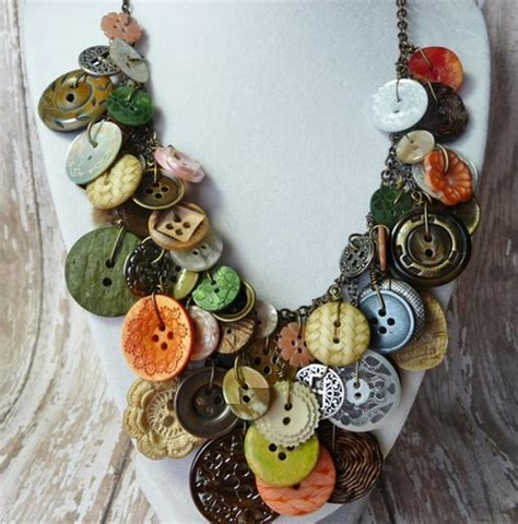 Kalung Dari Kristik foto kalung dari kancing ini akan dapat melengkapi