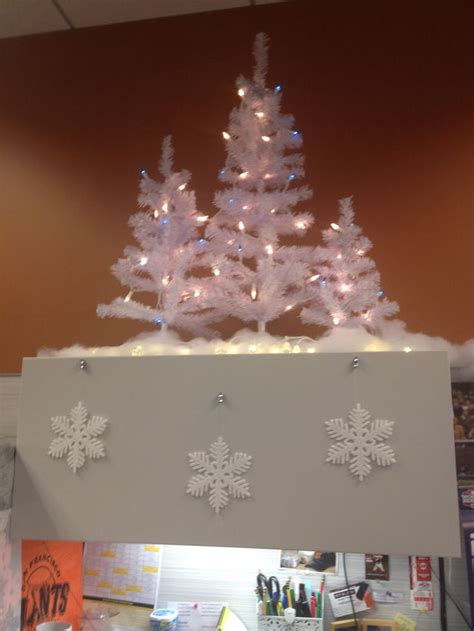 christmas cubicle decorating trees   tall