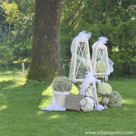 cesti di fiori allestimento con maxi lanterne bianche cesti di fiori e