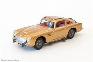 Aston Martin Miniature : une voiture une miniature aston martin db5 de james bond filrouge automobile ~ Melissatoandfro.com Idées de Décoration
