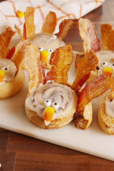 Get ready for thanksgiving with these ideas for crafts, tablescapes, treats and more. 10+ Easy Turkey Treats - Cute Ideas for Turkey Treats