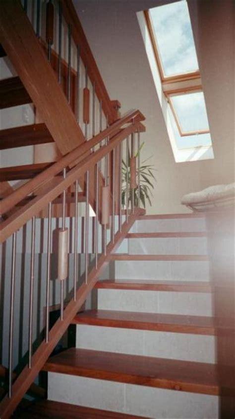 offene treppe  buche  kombination mit steingut