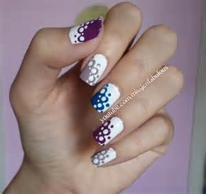 This easy nail art kind of reminds me a lace pattern if you can