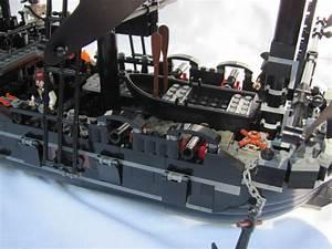 Pics For > Lego Black Pearl Vs Queen Annes Revenge