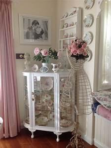 Was Ist Shabby Chic : pinterest shabby chic dining room corner cupboard in my dining room shabby chic pink ~ Orissabook.com Haus und Dekorationen