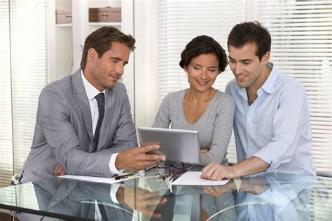 welche versicherungen sind nötig welche versicherungen sind sinnvoll finanz reporter de