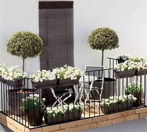 Kleinen Balkon Gestalten Günstig : 40 ideen f r attraktive balkon gestaltung f r wenig geld ~ Michelbontemps.com Haus und Dekorationen