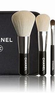 Chanel mini brush set | Chanel makeup, Chanel makeup set ...