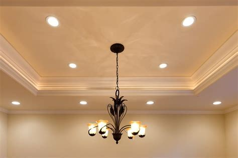Marvelous Tray Ceiling Painting Ideas with Crown Moulding