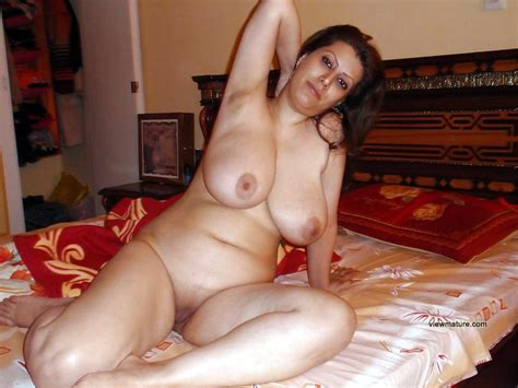 Huge Vaginas Huge Dildos And Horny Old Chicks Full Size Picture 1