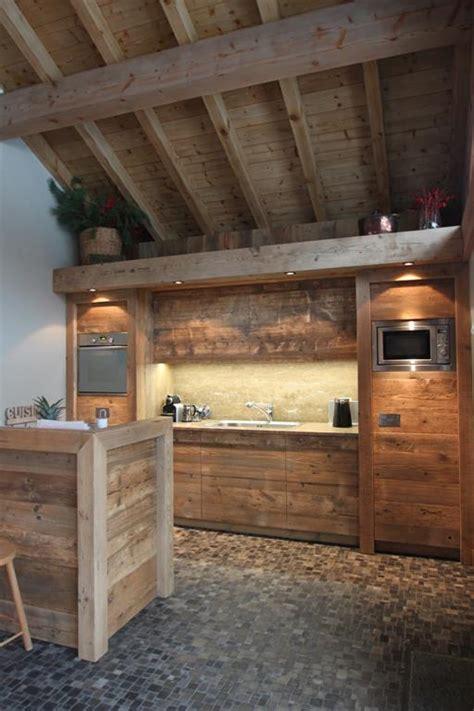 cuisine vieux bois cuisine vieux bois cuisine en vieux bois de rcupration