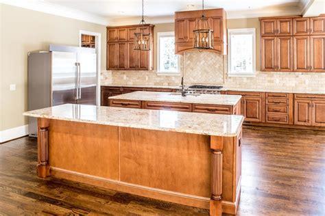 designer kitchen and bathroom imagen gratis mesa de cocina muebles comedor interior 6630