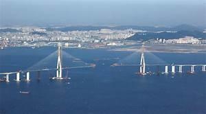 File:Incheon Bridge under construction.jpg