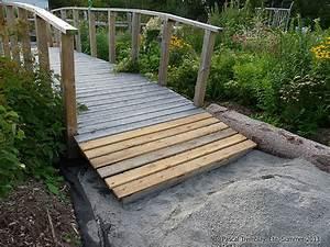 Pont En Bois Pour Jardin : pont japonais arqu pour bassin ext rieur construire pont de jardin ~ Nature-et-papiers.com Idées de Décoration