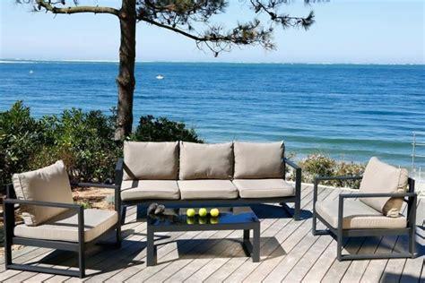 table de cuisine alinea salon de jardin design en fer haut de gamme meuble et