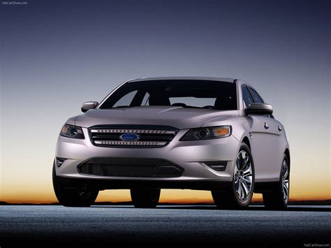 ford taurus  pictures information specs