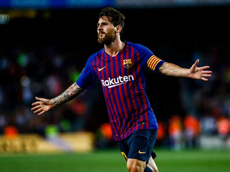 Lionel Messi's Free-kick Goal Helps Barcelona To Beat