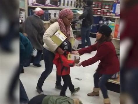 Walmart Floor by This Black Friday Fight Is So Crazy People Think It S Fake