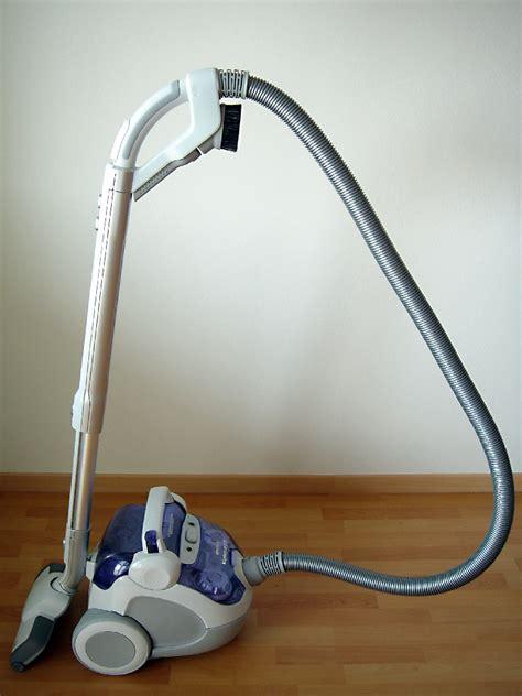 File:Electrolux Vacuum Cleaner.jpg - Wikimedia Commons