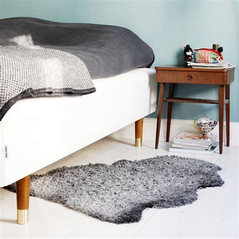 pied pour canapé prettypegs des pieds originaux pour décorer canapé